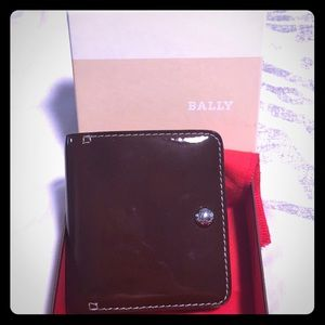 Bally brown patent leather unisex wallet